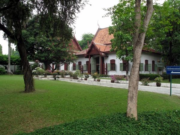 Royal Elephant Museum - Bangkok For Visitors