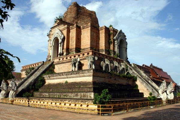 Wat Chedi Luang, Chiang Mai - Thailand For Visitors